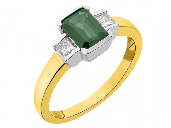 Yellow and white gold ring with diamonds and emerald