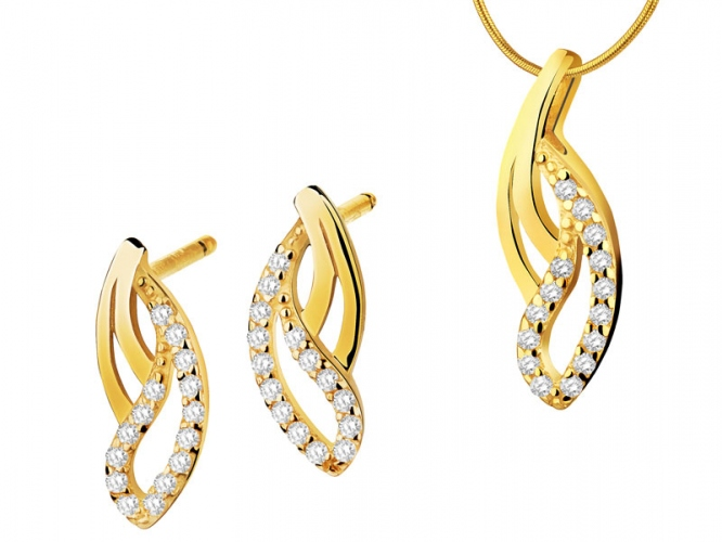 Gold earrings and pendant - set