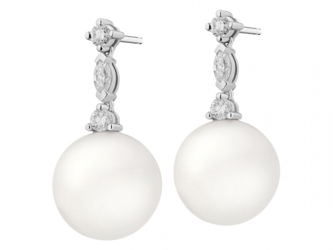 White gold earrings with diamonds and South Sea pearls