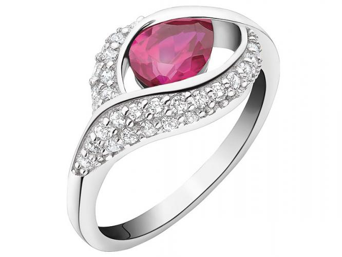 Silver ring with cubic zirconias and synthetic corundum