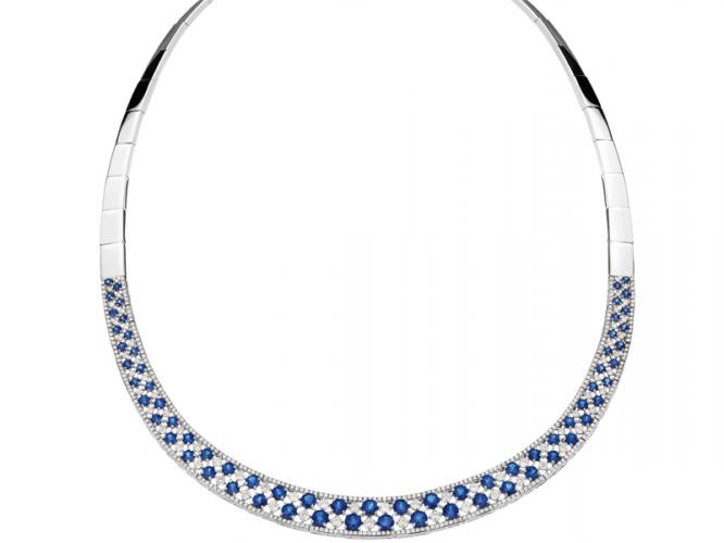 White gold necklace with brilliants and sapphires