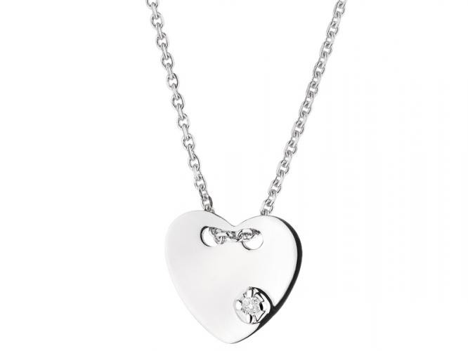 White gold necklace with brilliant