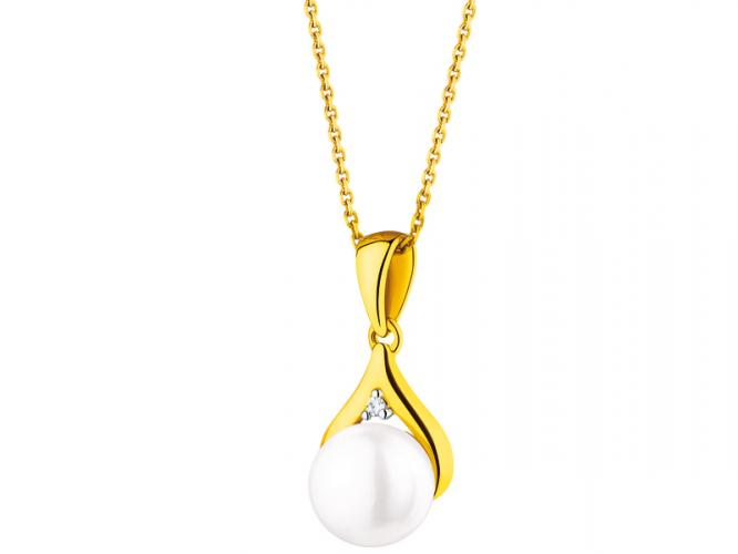 Yellow gold pendant with diamond and pearl
