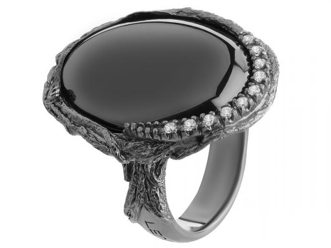 Silver ring with hematite and cubic zirconias