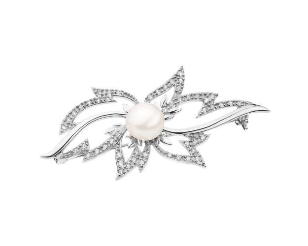 Silver brooch with pearl and cubic zirconia