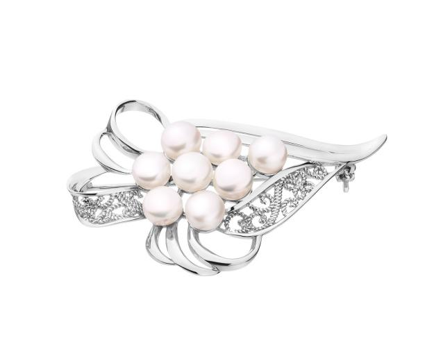 Silver brooch with pearls