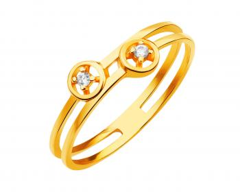 Yellow gold ring with cubic zirconia