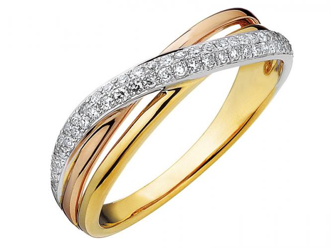 Ring of yellow, white and rose gold with diamonds