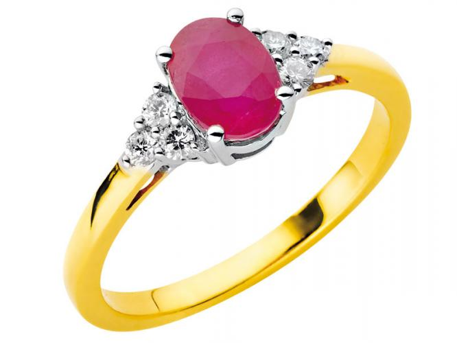 Yellow and white gold ring with brilliants and ruby