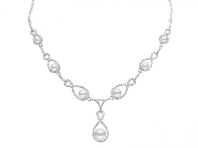 Silver necklace with pearls and cubic zirconias