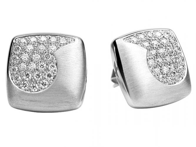 Platinum earrings with brilliants