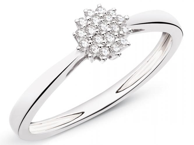 White gold ring with brilliants